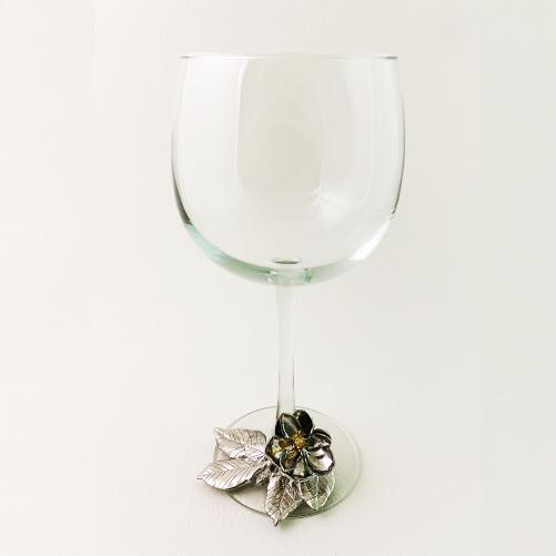 magnolia 2 tone red wine glass
