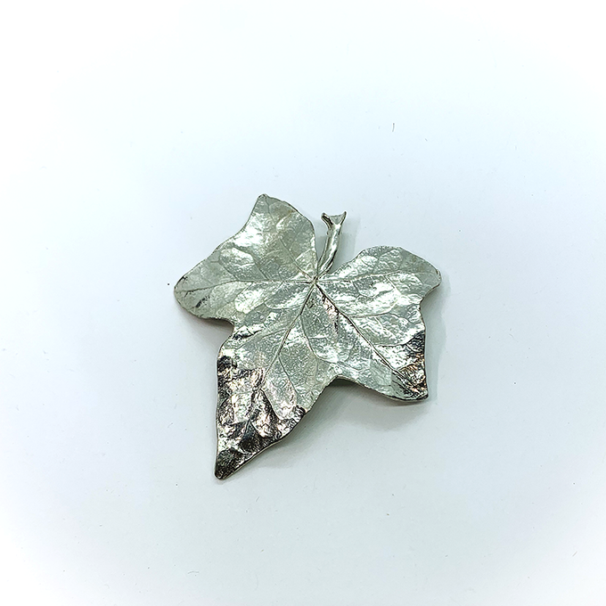 Ivy Pin P94