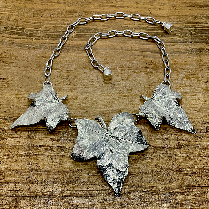 Ivy Trio Link Necklace