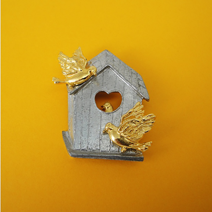 Birdhouse pin and pendant